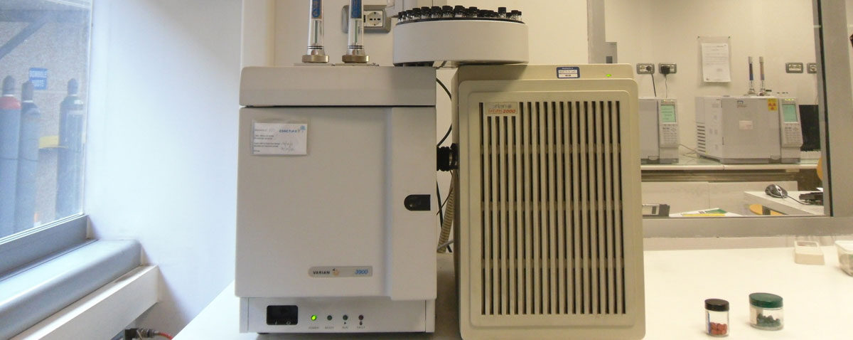 Gascromatografo con detector di massa a trappola ionica VARIAN-SATURN-2000
